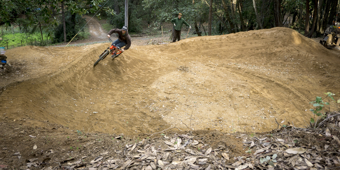 14_2015-02-22-bonny-doon-buels-pumptrack-build_58