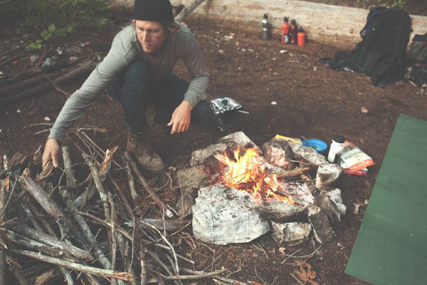 13__2015-10-27-big-sur-vincent-flat-ph-brian-barnhart_13-brian-barnhart-camping-ourdoors-adventure-fire