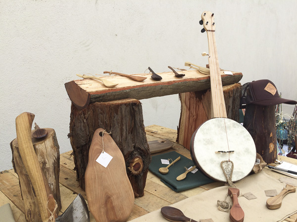 21__trailboundco-booth-santa-cruz-mountains-makers-market-spoons-banjo-handmade-gifts-axe